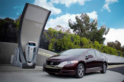 Are Hydrogen Fuel Cell Vehicles A Replacement For EVs? We