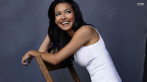VillageQ – Naya Rivera Comes Out as Bisexual and Crazy